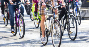 How to stay safe when cycling in the city after the winter